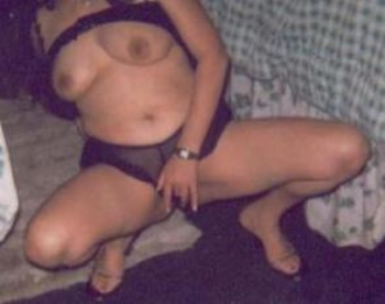 Horny mums looking for couple of men for bukkake/ group fucks